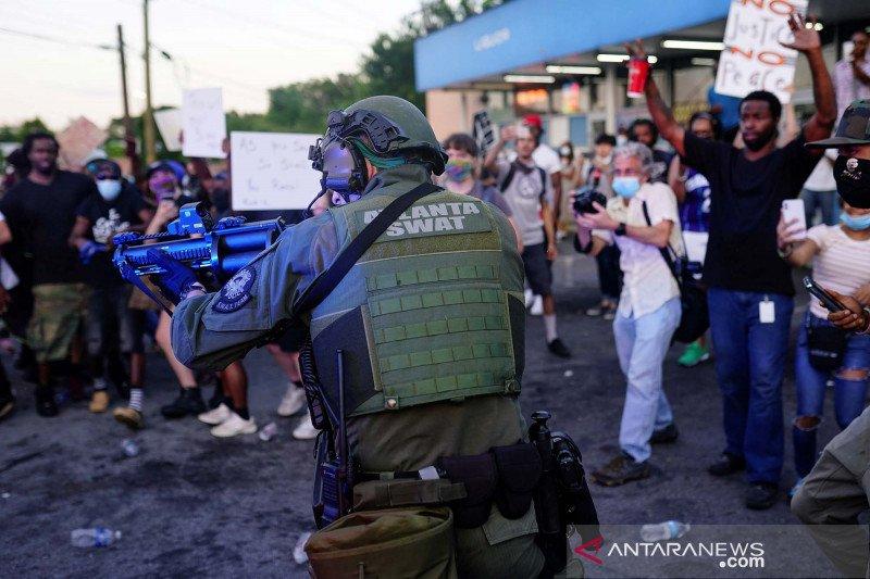 2020-06-14T101303Z_847624377_RC2U8H9KVDHB_RTRMADP_3_MINNEAPOLIS-POLICE-ATLANTA.jpg