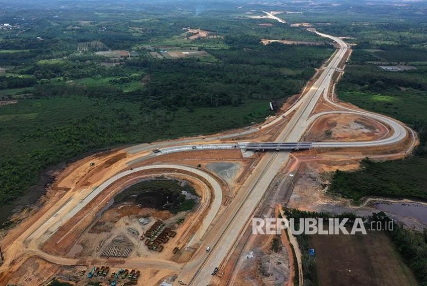 foto-aerial-proyek-tol-balikpapan-samarinda-yang-akan-menjadi-salah-_190910233413-319.jpg