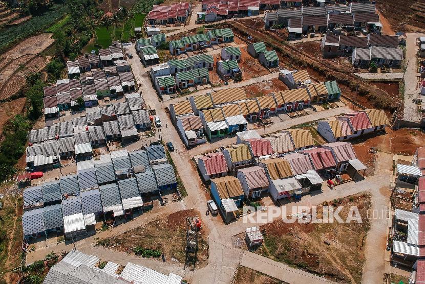 foto-udara-perumahan-di-arjasari-kabupaten-bandung-jawa-barat-_191226154305-692.jpg