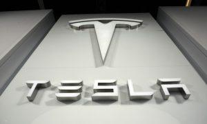 Tesla Model S Plaid Mampu Baca Pikiran pengendaranya?