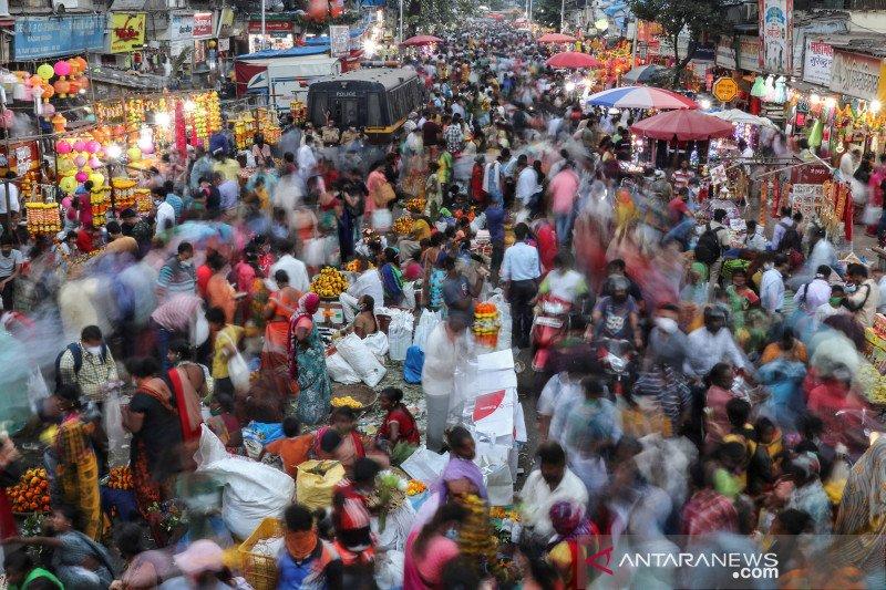 2020-11-13T133803Z_1922146170_RC2D2K98BK6P_RTRMADP_3_RELIGION-DIWALI-INDIA-PREVIEW.jpg