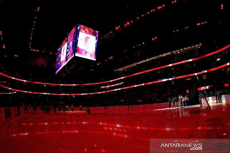 20201113-amalie-arena.jpg