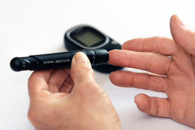 alat-bernama-fast-bisa-dimanfaatkan-penderita-diabetes-tipe-2_200401143300-321.jpg