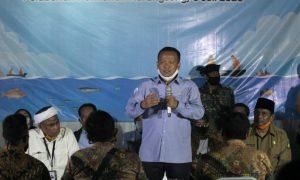menteri-kelautan-dan-perikanan-edhy-prabowo-berdialog-dengan-nelayan_200706223227-104.jpg