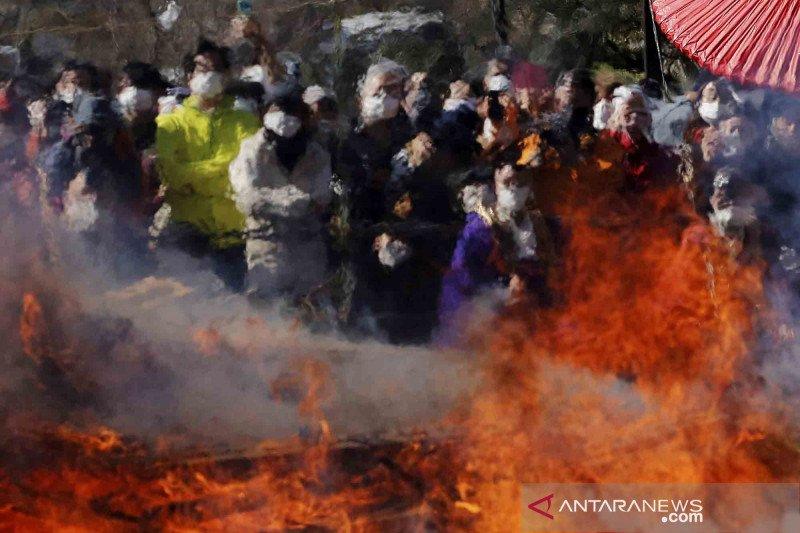 Festival Berjalan di Api di Negeri Sakura