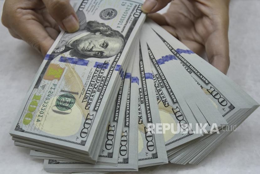 Data Ekonomi Mengecewakan, Dolar Jatuh