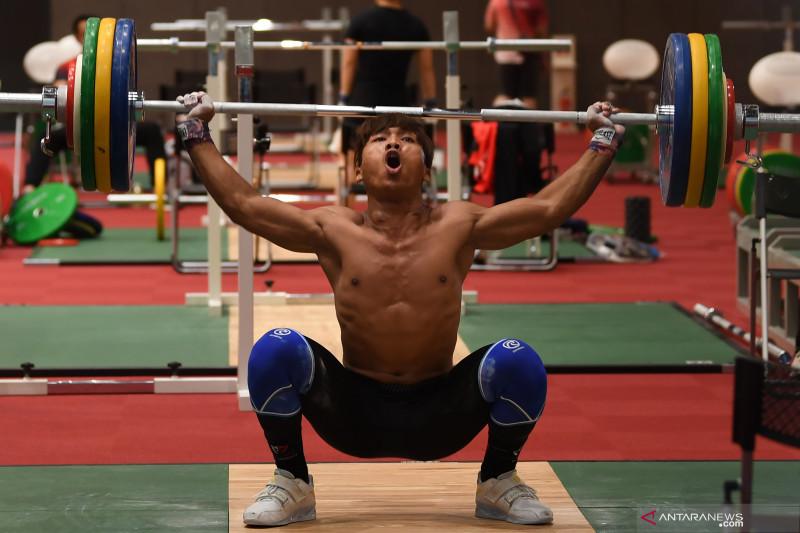 Lifter Deni finis kesembilan, Chen Lijun rebut emas kelas 67kg