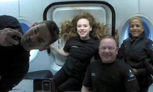 SpaceX daratkan kapsul berawak sipil di Florida